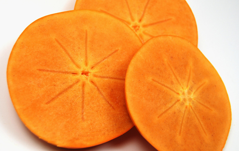 fuyu persimmon slices